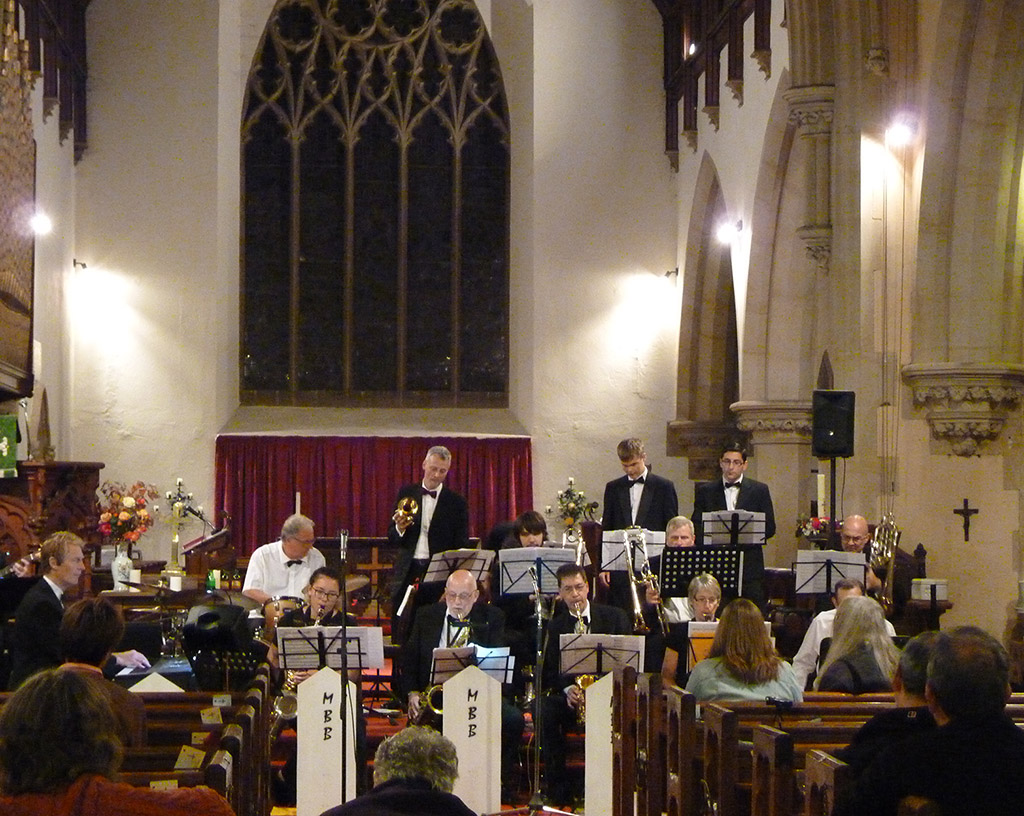 Malvern Chase Band plays carols at Christ Church 218f42322